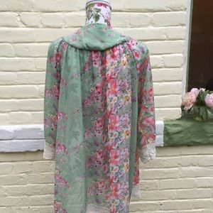 Sweaters - Lovely Mint Floral And Crochet lace Kimono